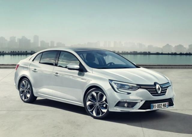 Renault-Megane-Sedan-Fluence-2017-1-774x555.jpg