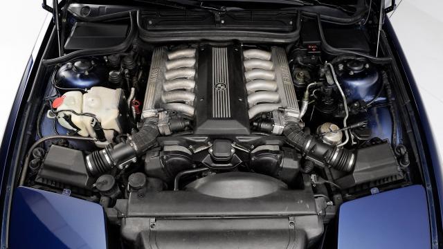 BMW_850i_(E31)_1990_13.thumb.jpg.978b7cf