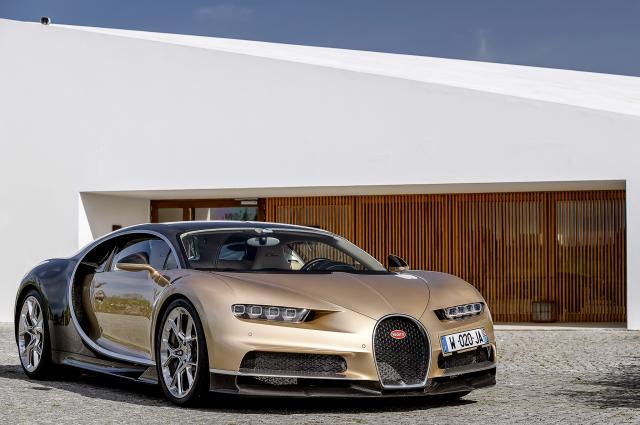 Bugatti_chiron_golden.thumb.jpg.8b391e61