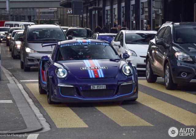 gt3rs_martini.thumb.jpg.cd41a85037a3f494